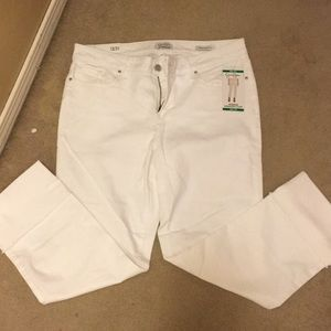 NWT white cropped pants by Jessica Simpson